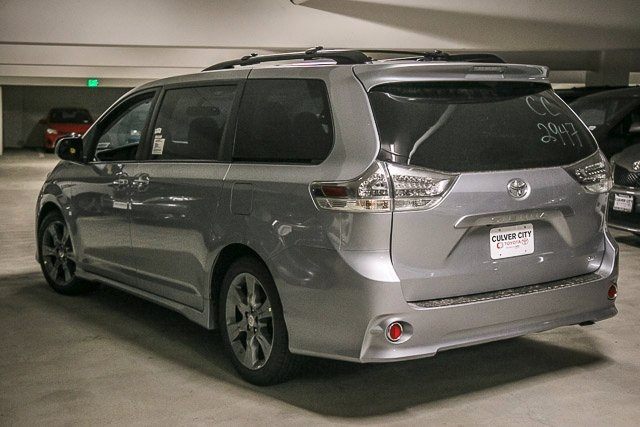 new 2017 toyota sienna se 4d passenger van in culver city 16575 culver city toyota. Black Bedroom Furniture Sets. Home Design Ideas