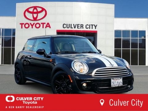 Pre-Owned 2013 MINI Cooper Hardtop Base